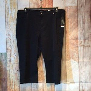 NWT Avenue Size 26 Tummy Control Cropped Jeans